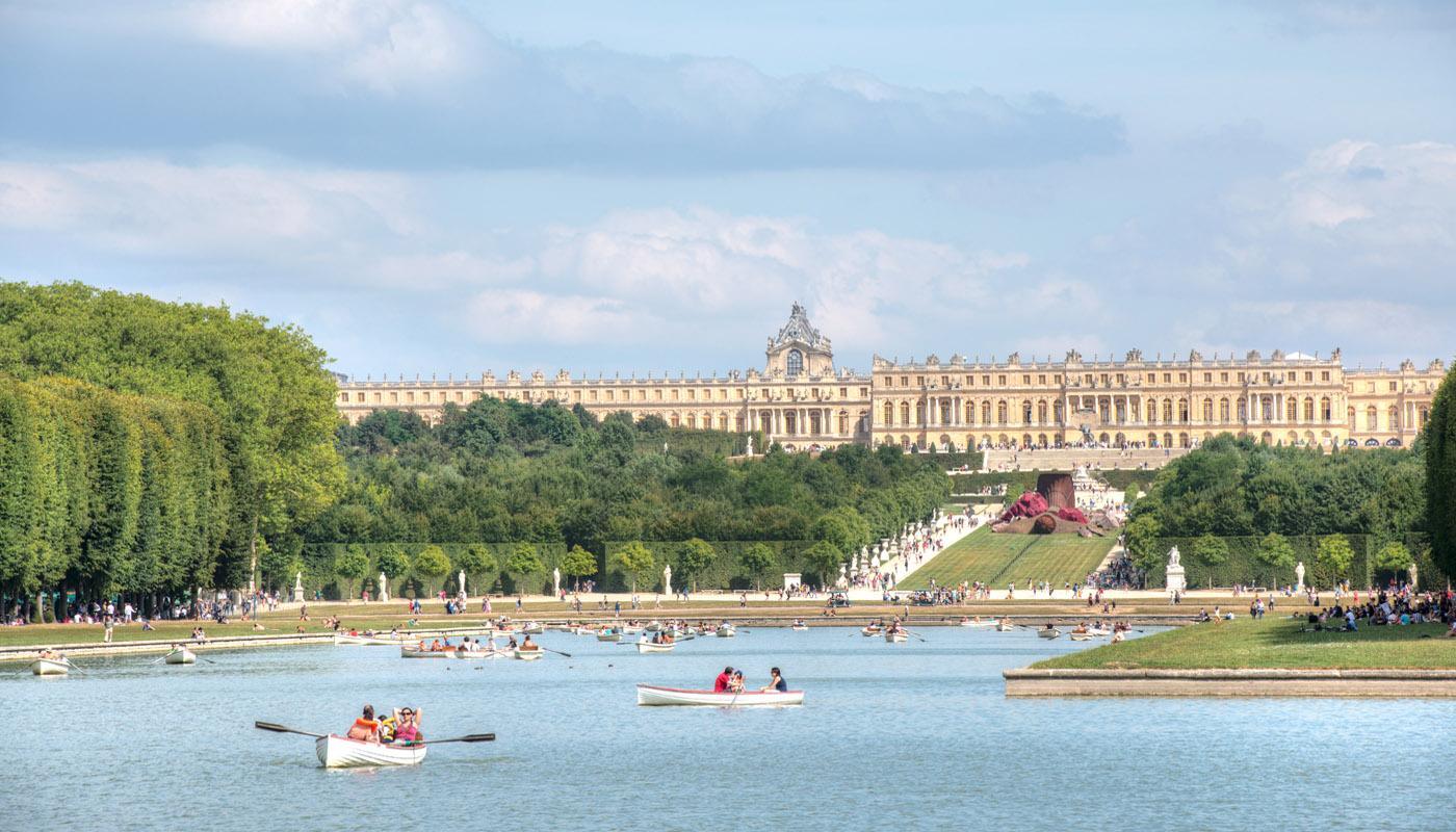 Hire A Rowing Boat At Versailles