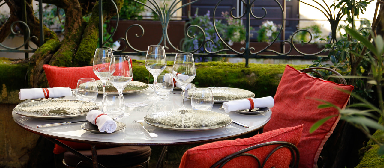 When Vineyards Around Bordeaux Whet The Appetite