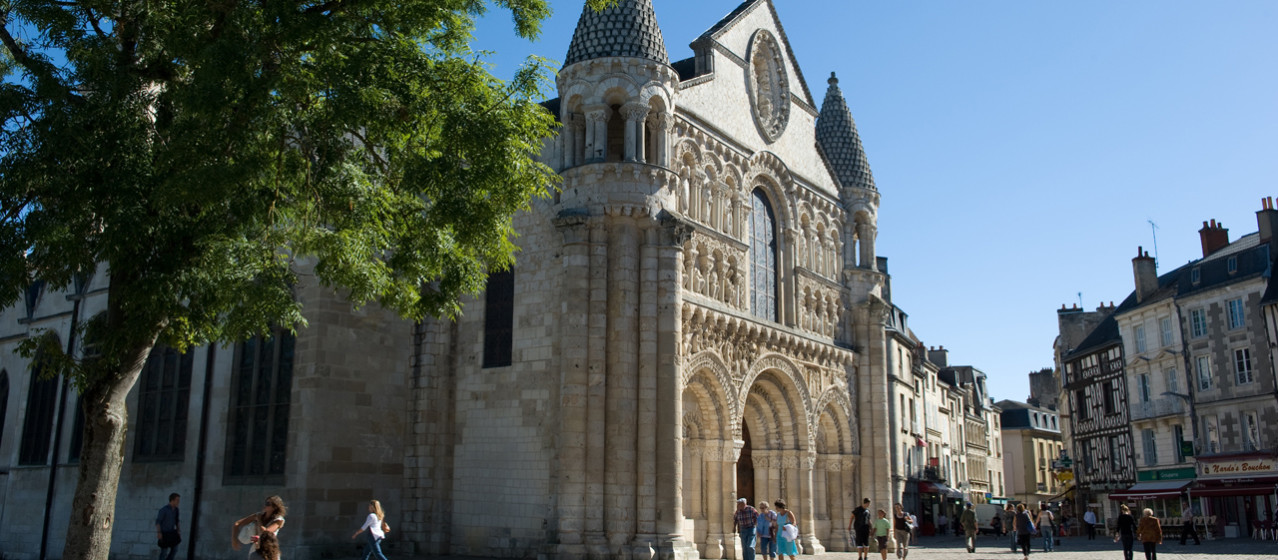 Poitiers, a journey through time