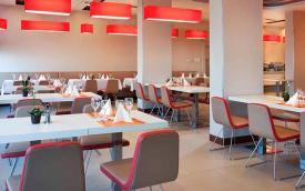 dining in ibis Budapest Aero