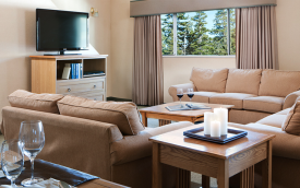 living area at Mammoth Mountain Inn - mammoth lakes hotel - expat explore travel