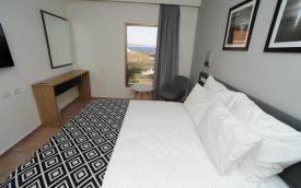 Room at Comfort Hotel Eilat - guided to expat explore travel