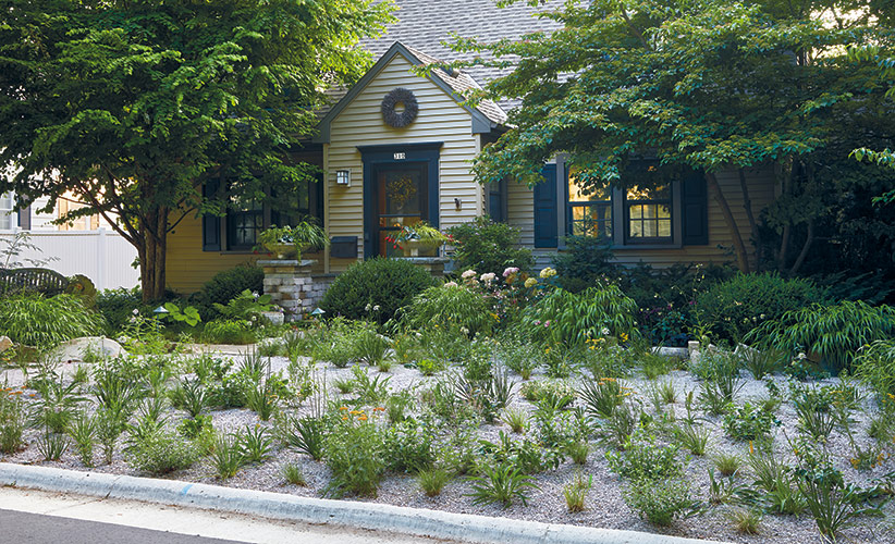 gravel-garden-lead: Jeff Epping created this 500-square-foot gravel garden in his front yard in Madison, Wisconsin.
