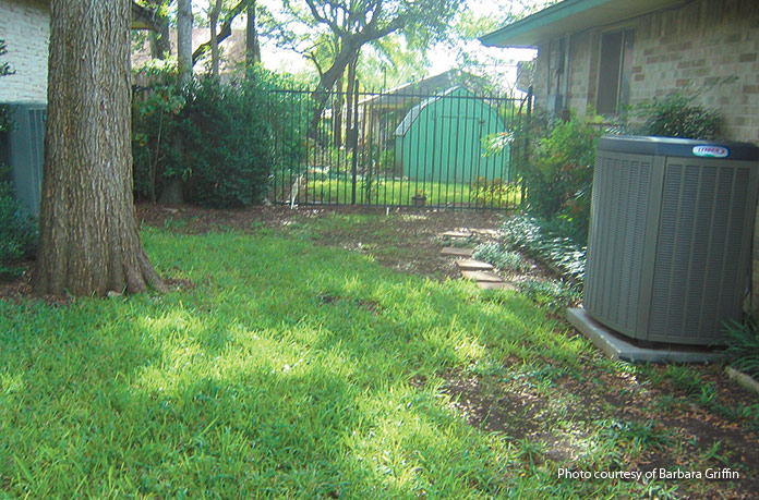 shady-retreat-garden-plan-before: This 12×14-ft area on the side of the house is a shady area that can be a challenge.