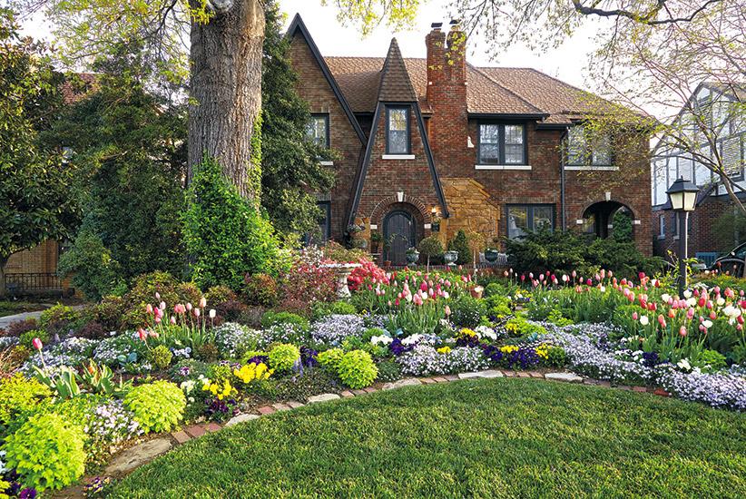 Spectacular Spring Front Yard Garden Gate