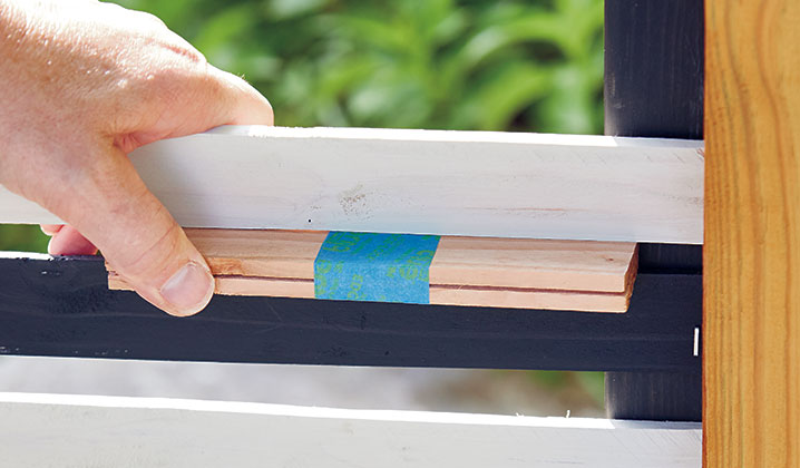 how-to-make-DIY-privacy-panels-homemade-spacers Sm:Two pieces of lath taped together keep the cross pieces evenly spaced.