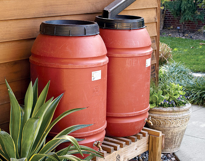 summer-garden-checklist-rainbarrel: Rain barrels are a great way to conserve water for your garden.