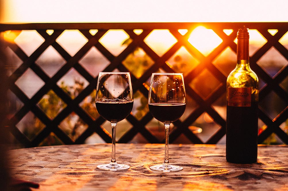 Calories in a Glass of Red Wine & Health Benefits (Detailed Guide)
