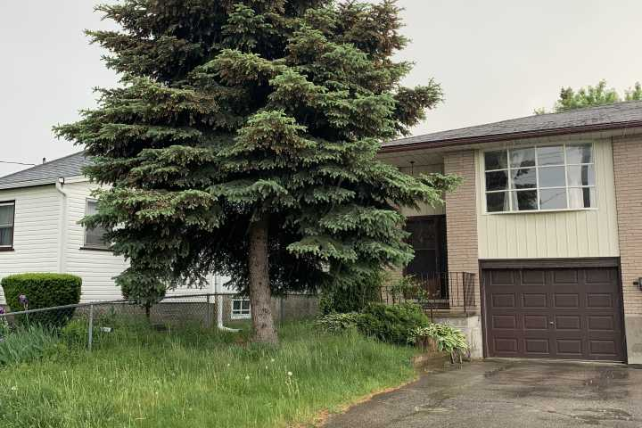 427 Lawrence Ave (1)