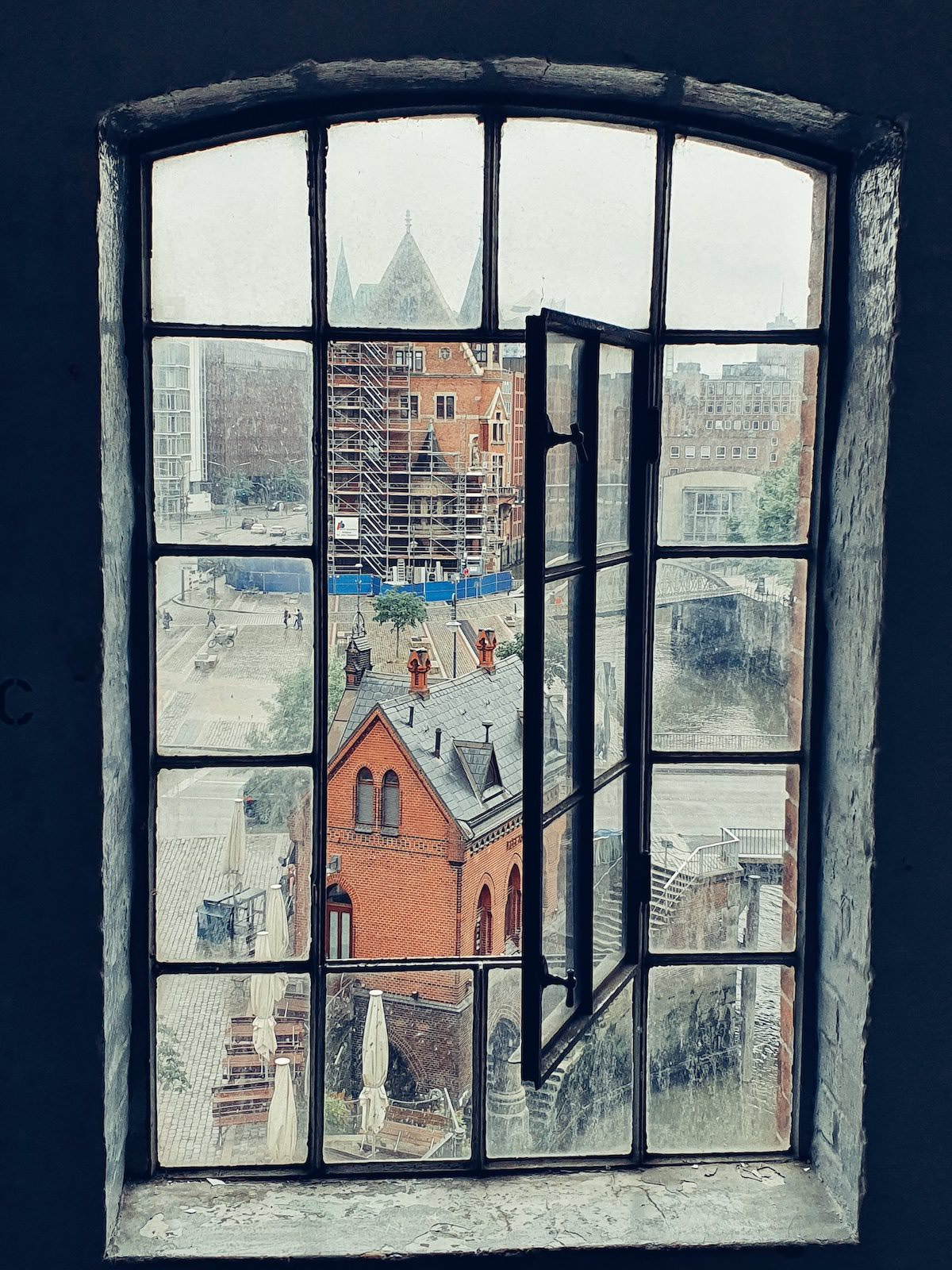 The Speicherstadt window