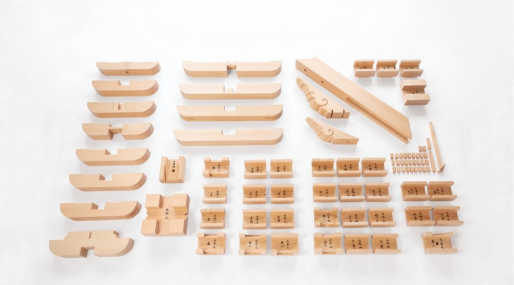 Interlocking parts for model of Engaku-ji Temple Shariden Interlocking Bracket Complex, 2019 Hinoki cypress. Courtesy of Ikaruga-Kōsha